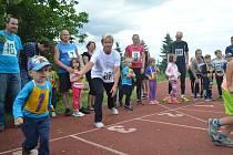 Někdejší skvělá tyčkařka Daniela Bártová už v Dolní Lutyni pár let žije a organizuje místní závody.