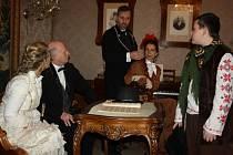 Speciální vánoční prohlídky na Zámku Fryštát nabídly i herecké etudy z vánočního života zdejší někdejší šlechty.