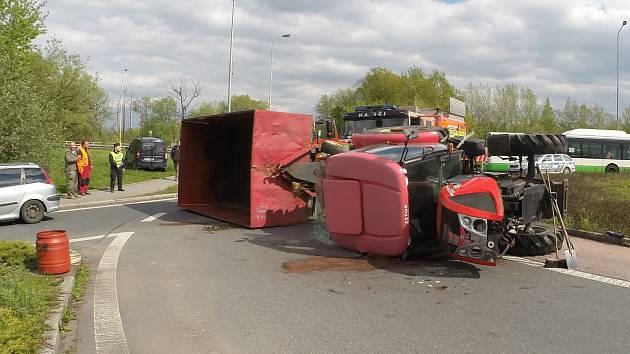 Nehoda traktoru v Havířově.