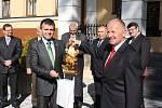 Prezident Zeman v hornické obci Stonava.