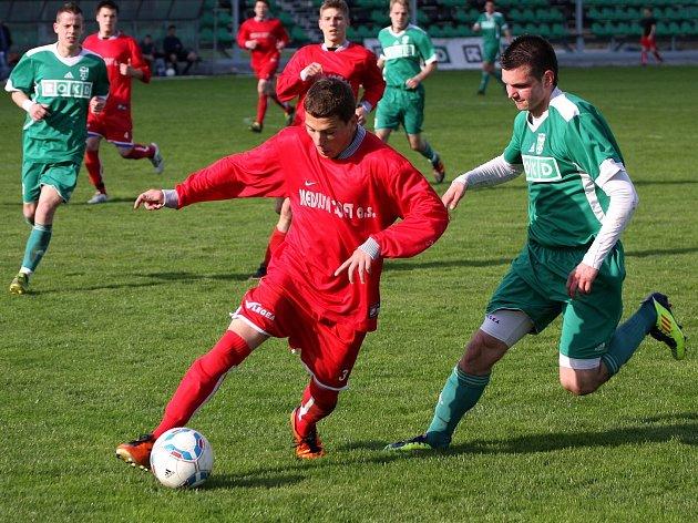 Fotbalové derby v krajském přeboru vyhráli domácí.