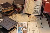 Naši předkové používali výhradně papírové diáře. Řada z nich se dochovala ve sbírkách Muzea Těšínska.