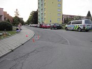 Místo kolize auta s cyklistou v Hálkově ulici v Havířově.