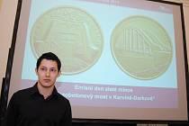 Česká národní banka vydala zlatou minci, na níž je vyobrazen Darkovský most. Mince má nominální hodnotu 5000 korun.