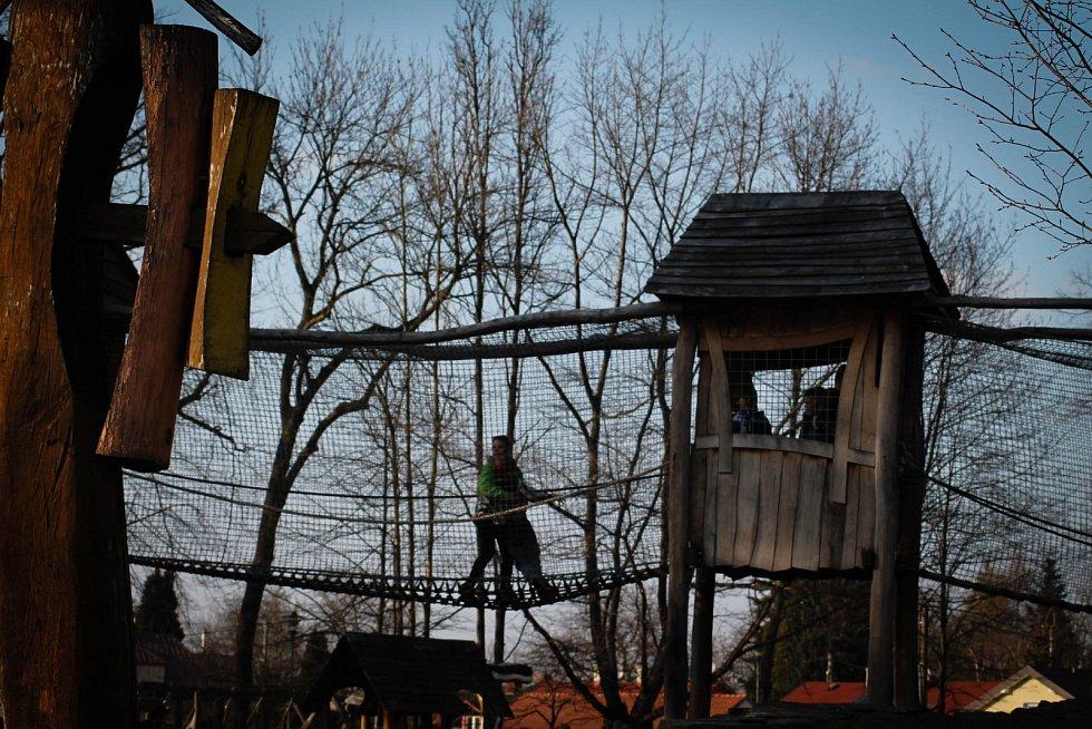 Hádanka č. 7: Dětský koutek v parku Boženy Němcové.