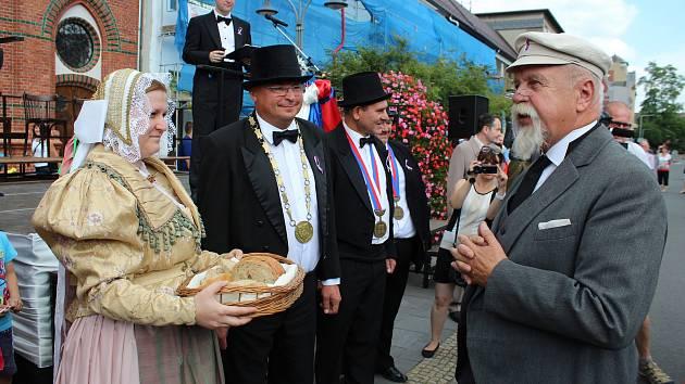 V Bohumíně si připomněli příjezd prezidenta T. G. Masaryka, který město navštívil před 88 lety, 6. 7. 1930. Přivítání proběhlo v dobových kulisách. Při té příležitosti se představily také místní sokolky, které předvedly dvě skladby, které cvičily na Všeso