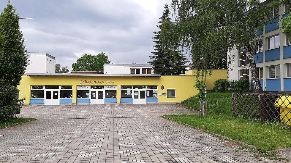 Karviná-Mizerov. ZŠ U Studny.
