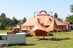 Netradiční cirkus Ohana v Karviné.