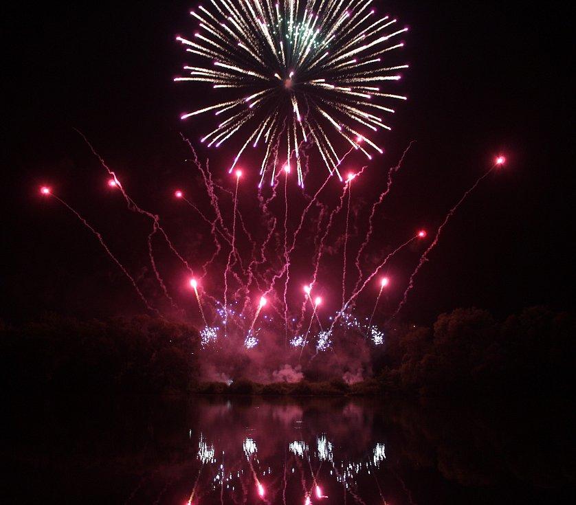 10. ročník festivalu Dolański Gróm zakončil ohňostroj.