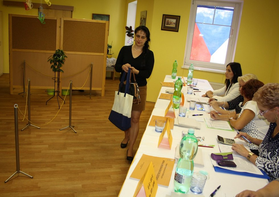 Jedna z volebních místností ve Stonavě je v domě s pečovatelskou službou.