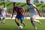 Lukáš Budínský (v bílém) věří, že tým ještě půjde herně nahoru.