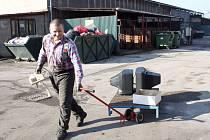 Elektroodpad patří do sběrného dvora. Jejich fungování si obce pochvalují.