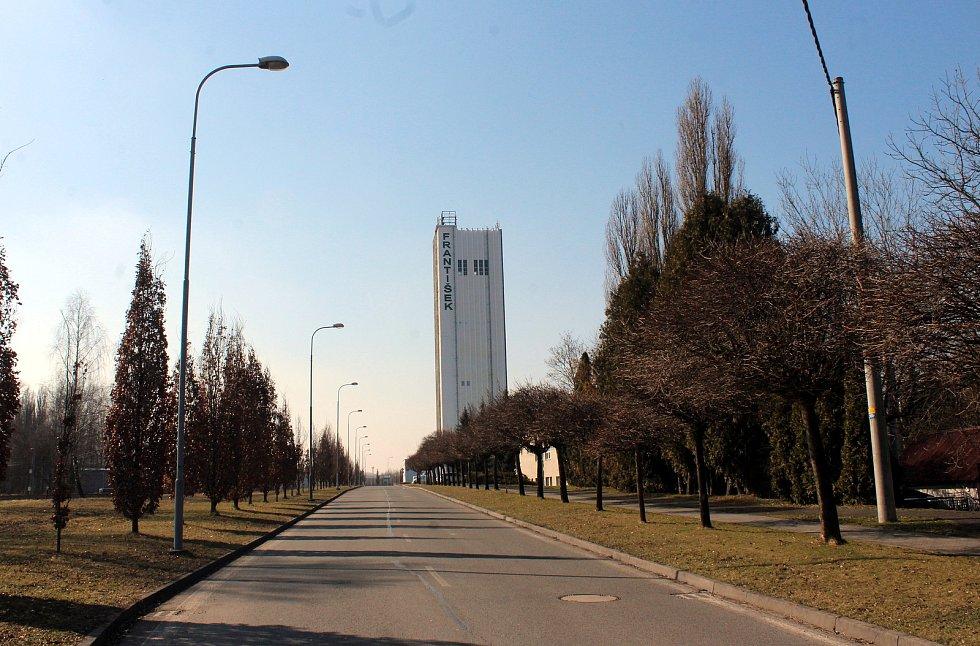 Horní Suchá. Průmyslová zóna František. Skipová věž.