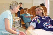 Karvinští hokejisté a fanoušci darovali krev.