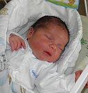 Mamince Lucii Kresáčové z Karviné se 4. června narodil syn Tomášek Kresáč. Když přišel chlapeček na svět, vážil 3950 g a měřil 52 cm. Doma se na miminko těší sestřička Terezka.
