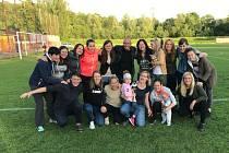 Havířovské fotbalistky vyhrály nad Baníkem Ostrava a převzaly pohár za vítězství v soutěži.