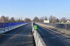 Oprava mostu v Dětmarovicích se protáhne.