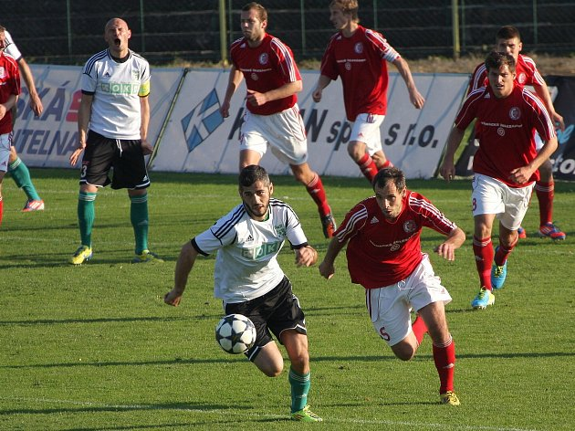 Třinečtí fotbalisté v napínavém derby o gól prohráli.