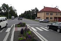 V Dolní Lutyni budou osazovat hlavní křižovatku semafory. Kvůli zklidnění dopravy. Vznikne i nový přechod pro chodce.