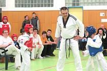 V tělocvičně Základní školy 1. máje si v sobotu dali sraz mladí sportovci, vyznavači korejského bojového umění taekwondo.