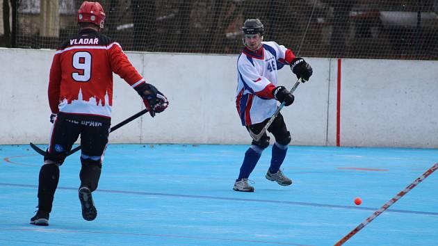 Hokejbalisté Karviné zahájili play off skvostně.