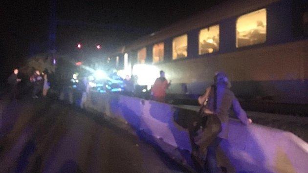 Hasiči museli evakuovat cestující z vlaku