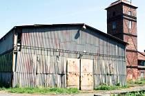 V této hale hale by mohli najít zázemí členové Wheel klubu Karviná. Město jim možná halu i s pozemkem koupí.