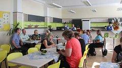 Mezi novými učebnami nechybí ani moderní kuchyňky, třídy výpočetní techniky či cvičná kavárna.