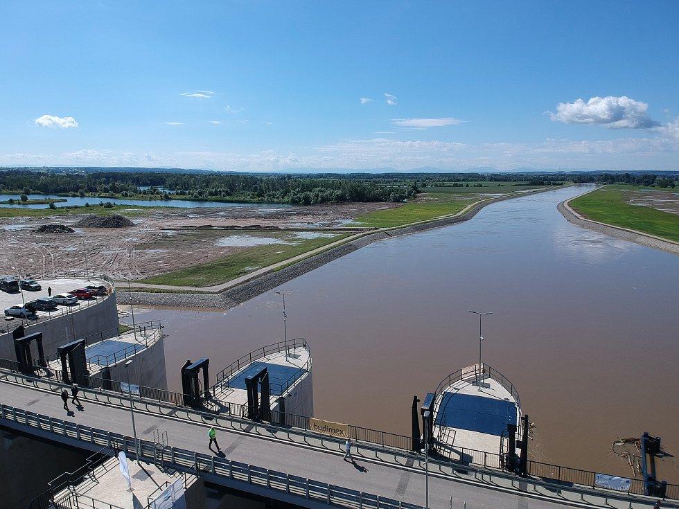 V Polské Ratiborzi byla 30. 6. otevřena nová přehrada.