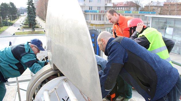 Oprava pohonu kyvadla v centru Havířova