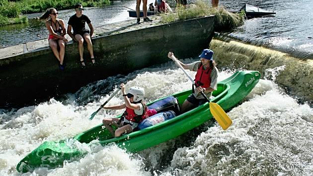 Karvinští vodáci splavili řeku Otavu.