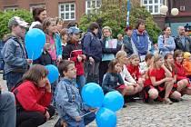 Náměstí i přes nepřízeň počasí navštívilo přes 300 lidí.