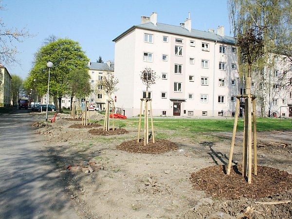 Oblast mezi ulicemi Mírová a Havířská vKarviné-Novém Městě se hemží dělníky a stavební technikou. Hotovo má být vsrpnu.