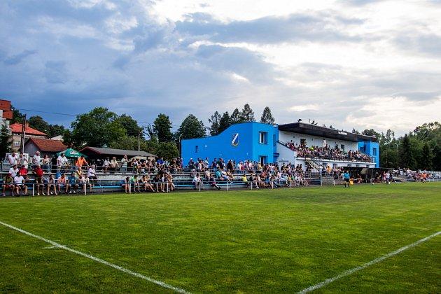 Vpohárovém derby se radovali fotbalisté Dětmarovic (vbílém), kteří porazili sousední Bohumín až po prodloužení.