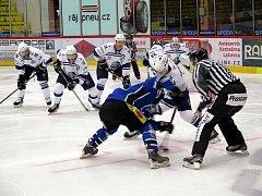 Havířovští hokejisté bodovali a jsou ve hře o přímé čtvrtfinále play-off.