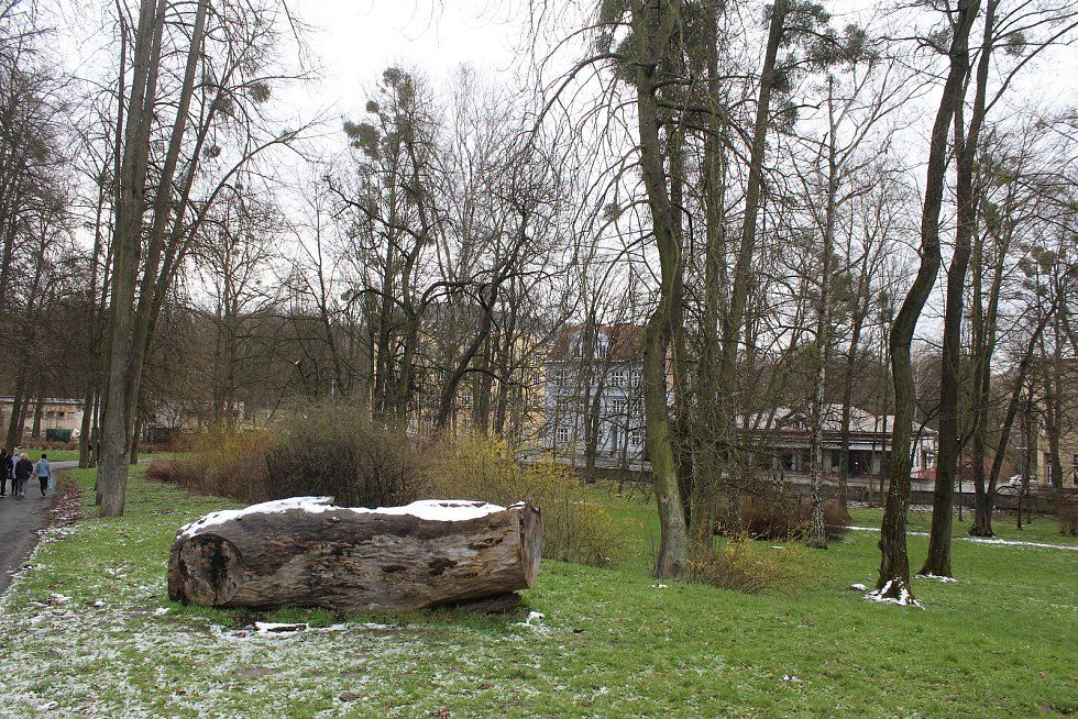 V Orlové-Městě otevřeli naučnou stezku Zapomenutá Orlová, která přibližuje kromě stávajících i místa a objekty, které už nestojí. V minulosti padly za oběť těžbě uhlí.  Duben 2021.