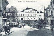 Tramvajová linka spojovala v letech 1911 až 1921 vlakové nádraží s náměstím dnešního polského Těšínska.