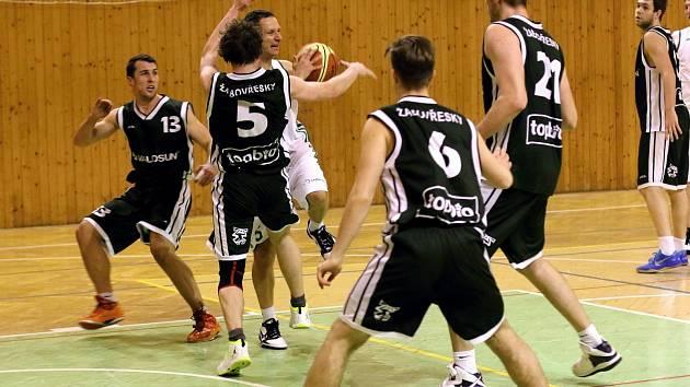 Basketbalisté Karviné si mohou oddechnout - setrvali ve druhé lize.