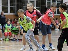 Děti v Orlové mají basket rády.