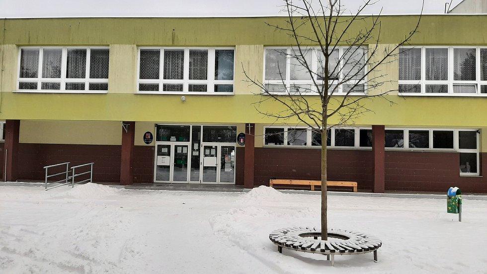 Základní škola v Albrechticích.