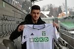 Sedmadvacetiletý slovenský obránce Róbert Mazáň je další novou posilou Karviné, kde podepsal smlouvu do konce sezony. Naposledy působil v Mladé Boleslavi.