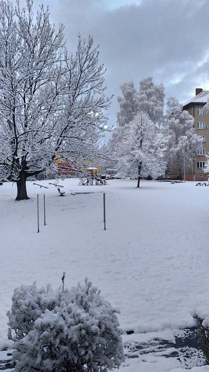 Havířov, sníh v ulicích, 6. dubna 2021.