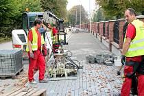 Oprava chodníku v Orlové.