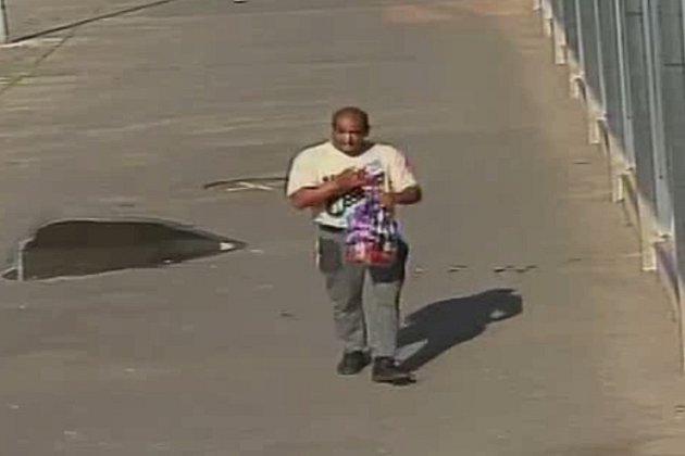 Poznáte muže podezřelého z krádeže?