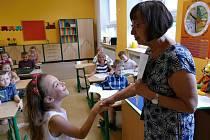 Předávání vysvědčení na Základní škole Gorkého v Havířově, pátek 28. června 2019.