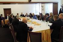 Zasedání poslaneckého výboru v Havířově.