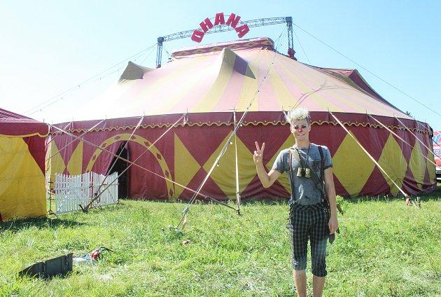 Netradiční cirkus Ohana vKarviné.