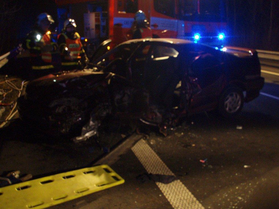 Sobotní nehoda v karvinské městské části Louky, na silnici mezi Karvinou a Českým Těšínem.