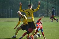 Karvinští fotbalisté (ve žlutém) se připravují na pokračování první ligy.