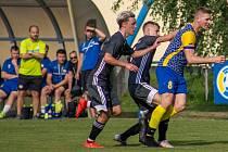 Fotbalisté Bohumína po vítězství v předkole letošního MOL Cupu (1:0) porazili Dětmarovice i v divizi. V 11. kole vyhráli sobotní derby na jejich hřišti 3:0.